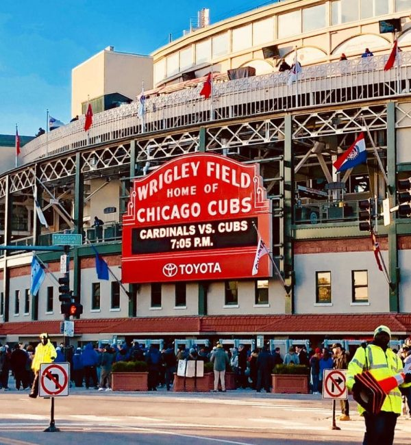 chicago transportation to wriggly field